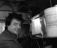 Winfried Ritsch mit Partiturmaschine